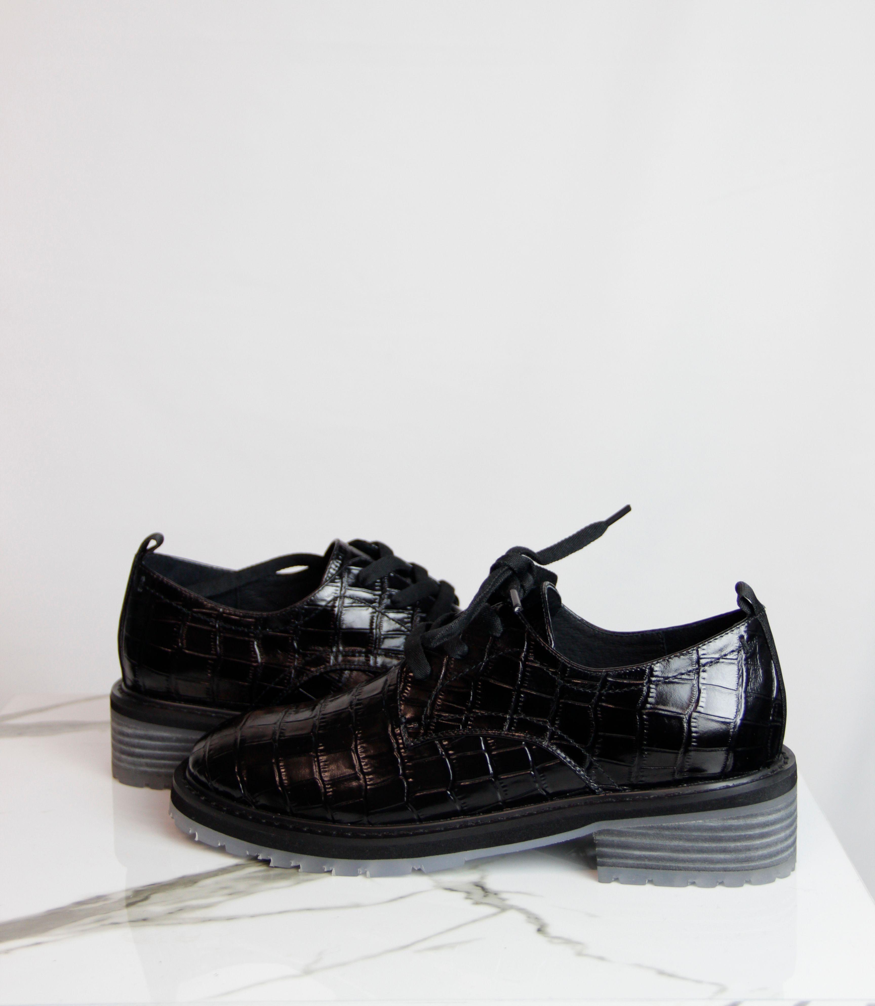 Обувки MEDEA